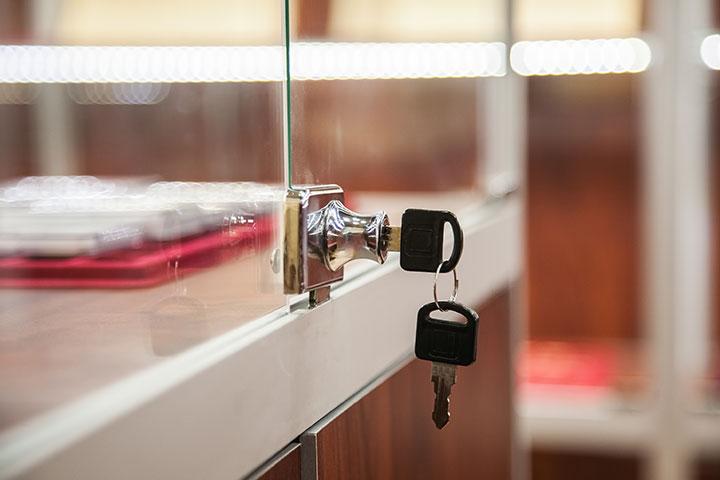 Le misure di sicurezza per vetrine espositive